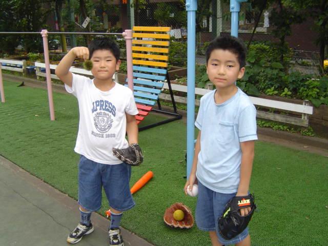 校庭開放で野球