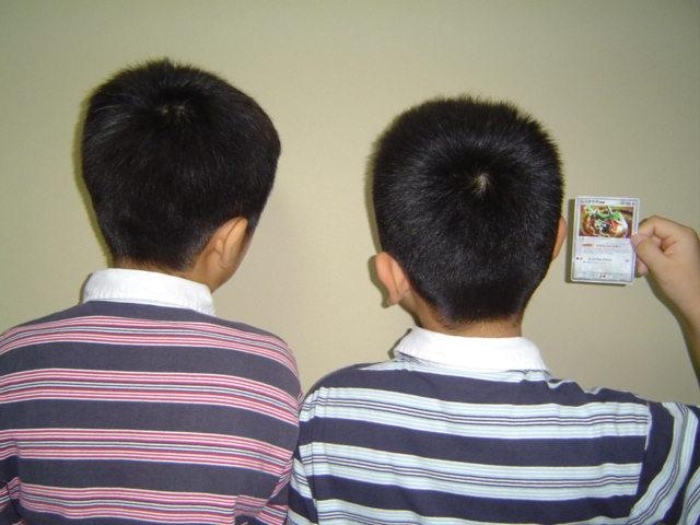 散髪した子供達