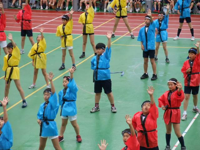 小学校の運動会で「大江戸ダンス」を踊る下の子