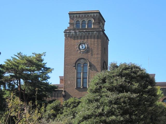 一橋大学図書館の時計台